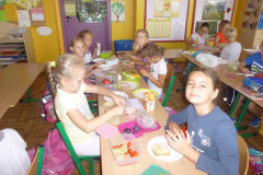 236.Zdrowe śniadanie w klasach I - III 2016