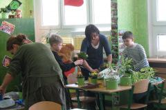56. Wiosenne porzątki w klasach młodszych i starszych - 15 marca 2013